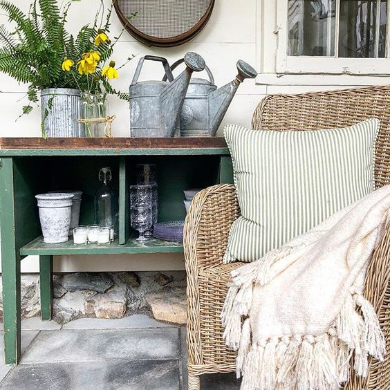 Eclectic Home Tour of The Cobbler Shop on Concord - love this inviting porch decor kellyelko.com #farmhouse #farmhousedecor #interiordecor #interiordecorate #porch #porchdecor #cottagestyle #hometour #housetour