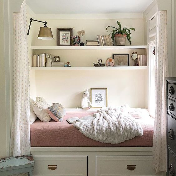 Eclectic Home Tour of The Cobbler Shop on Concord - love this built in bed nook kellyelko.com #farmhouse #farmhousedecor #interiordecor #interiordecorate #bedroom #girlsbedroom #diyideas #cottagestyle #hometour #housetour