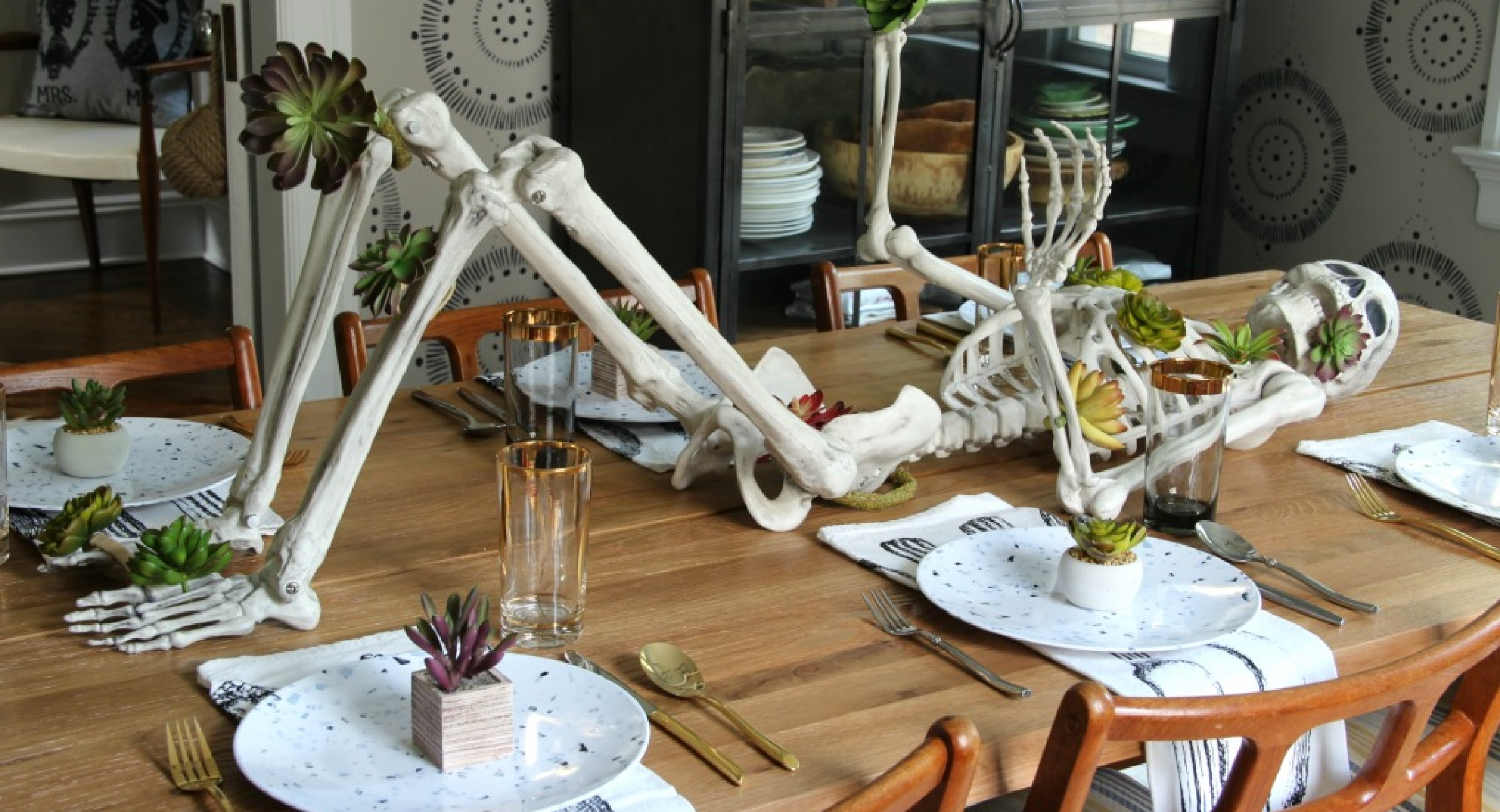 halloween-decor-skeleton-centerpiece-succulents