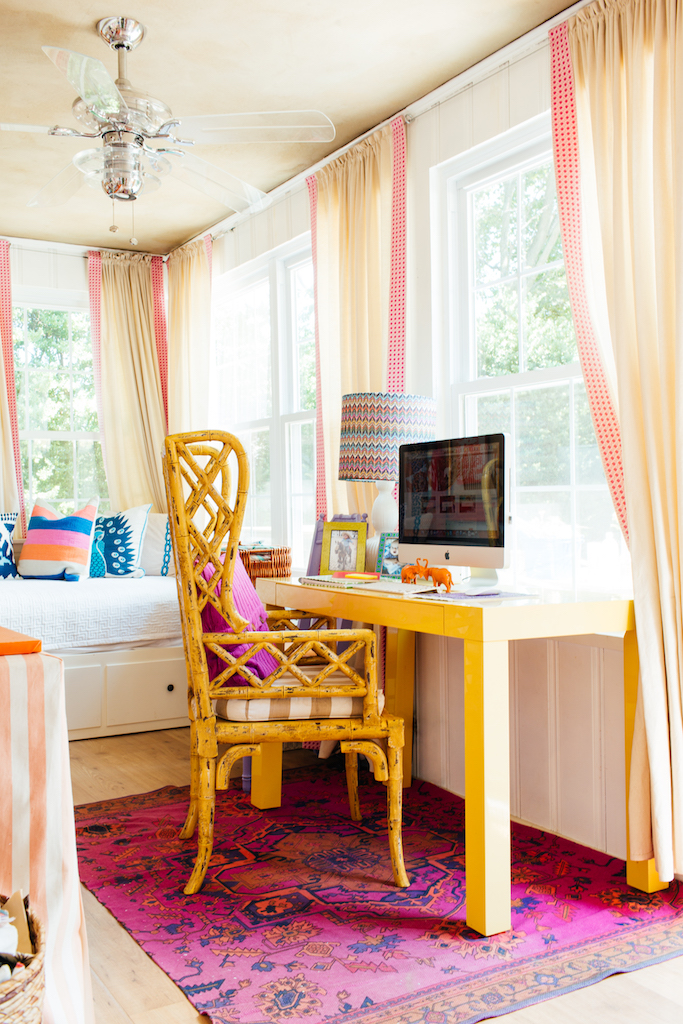Eclectic Home Tour of Effortless Style Interiors - this is a color lovers dream home! kellyelko.com #sunroom #colorlovers #interiordecor #homeoffice #interiordesign