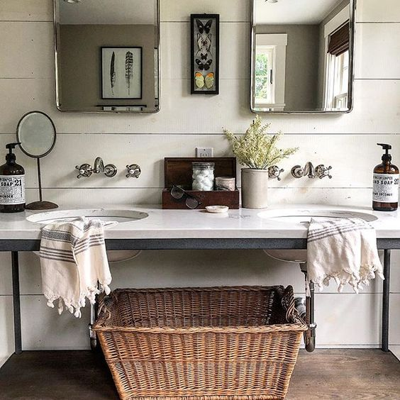 Eclectic Home Tour of The Cobbler Shop on Concord - love this industrial bathroom vanity kellyelko.com #farmhouse #farmhousedecor #interiordecor #interiordecorate #bathroom #bathroomdecor #bathroomvanity #cottagestyle #hometour #housetour