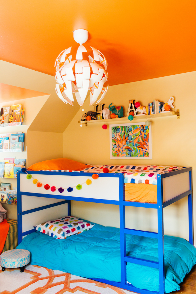 Eclectic Home Tour of Effortless Style Interiors - this is a color lovers dream home and how cool is the orange ceiling! kellyelko.com #bedroom #colorlovers #interiordecor #kidsroom #interiordesign