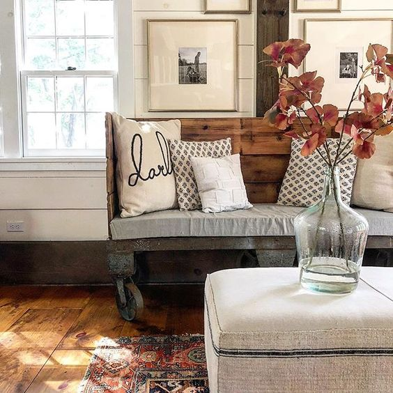 Eclectic Home Tour of The Cobbler Shop on Concord - love the rustic benchkellyelko.com #farmhouse #farmhousedecor #interiordecor #interiordecorate #fall #falldecor #cottagestyle #hometour #housetour #diyideas