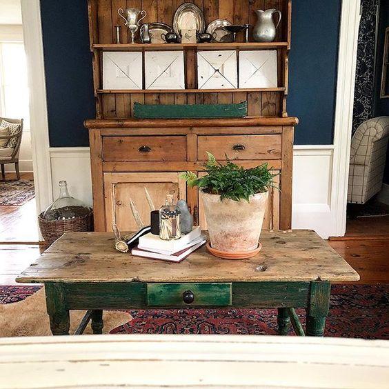 Eclectic Home Tour of The Cobbler Shop on Concord - love the rustic antique pine furniture kellyelko.com #farmhouse #farmhousedecor #interiordecor #interiordecorate #cottagestyle #hometour #housetour #rusticdecor #antiques