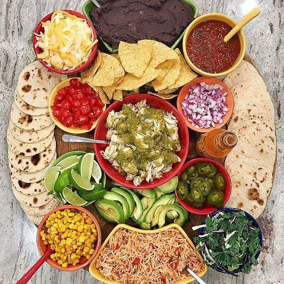 Taco tray with all the fixings #tacos #tacotuesday #tacorecipes #dinnerrecipes #kidsrecipes