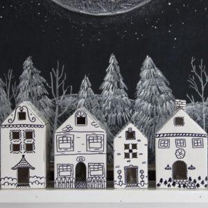 How to Make Ceramic Doodle Houses kellyelko.com #crafts #christmascrafts #sharpiecrafts #sharpie #kidscrafts #christmasdecor #diychristmasdecor #christmasdecorations #diycrafts