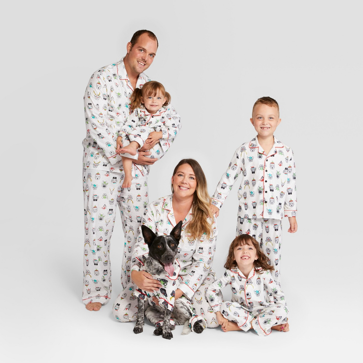 Family Christmas pajamas - love the dog pajamas kellyelko.com #christmaspajamas #christmas #christmastraditions
