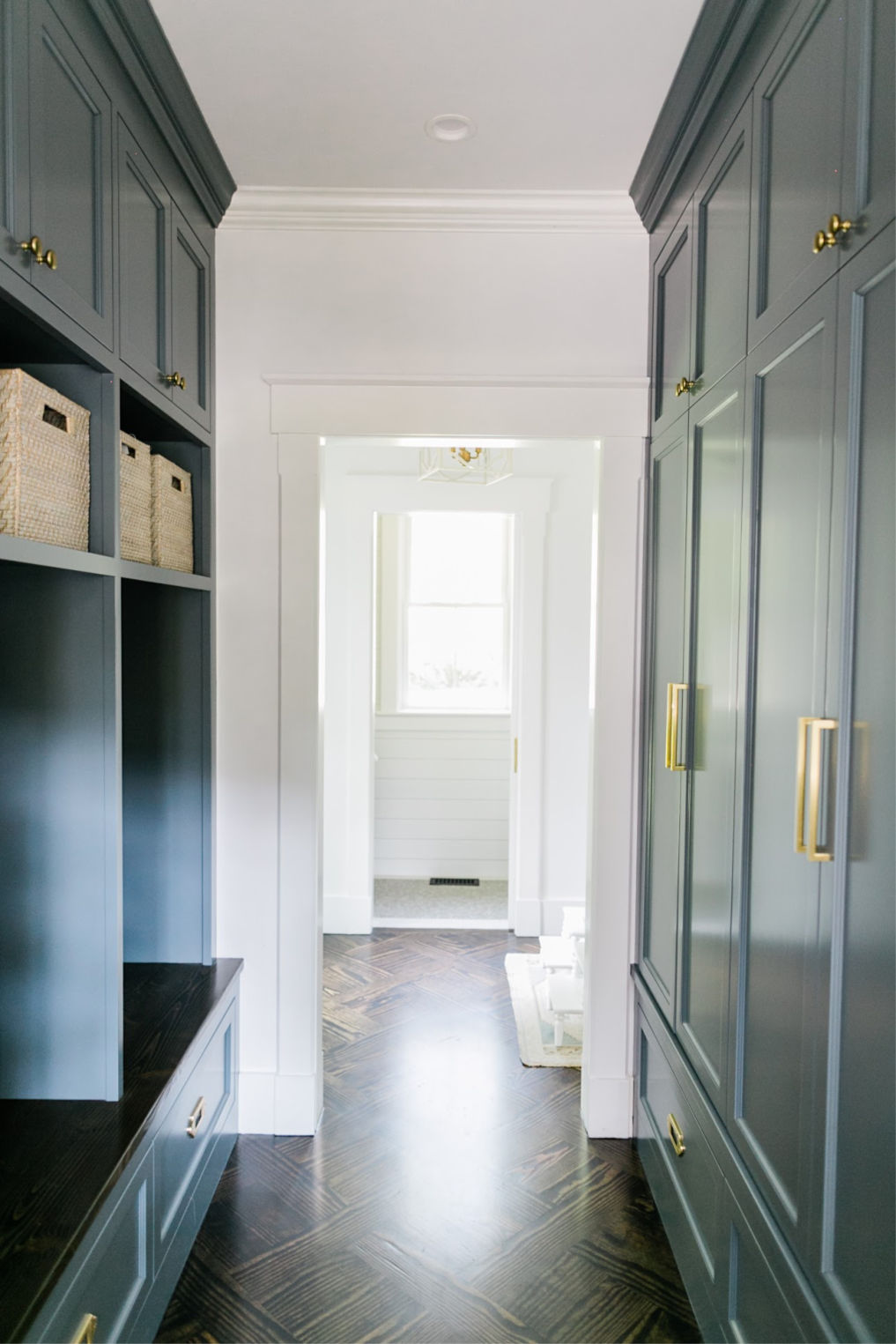Mudroom with dark cabinets kellyelko.com #mudroom #organization #storage