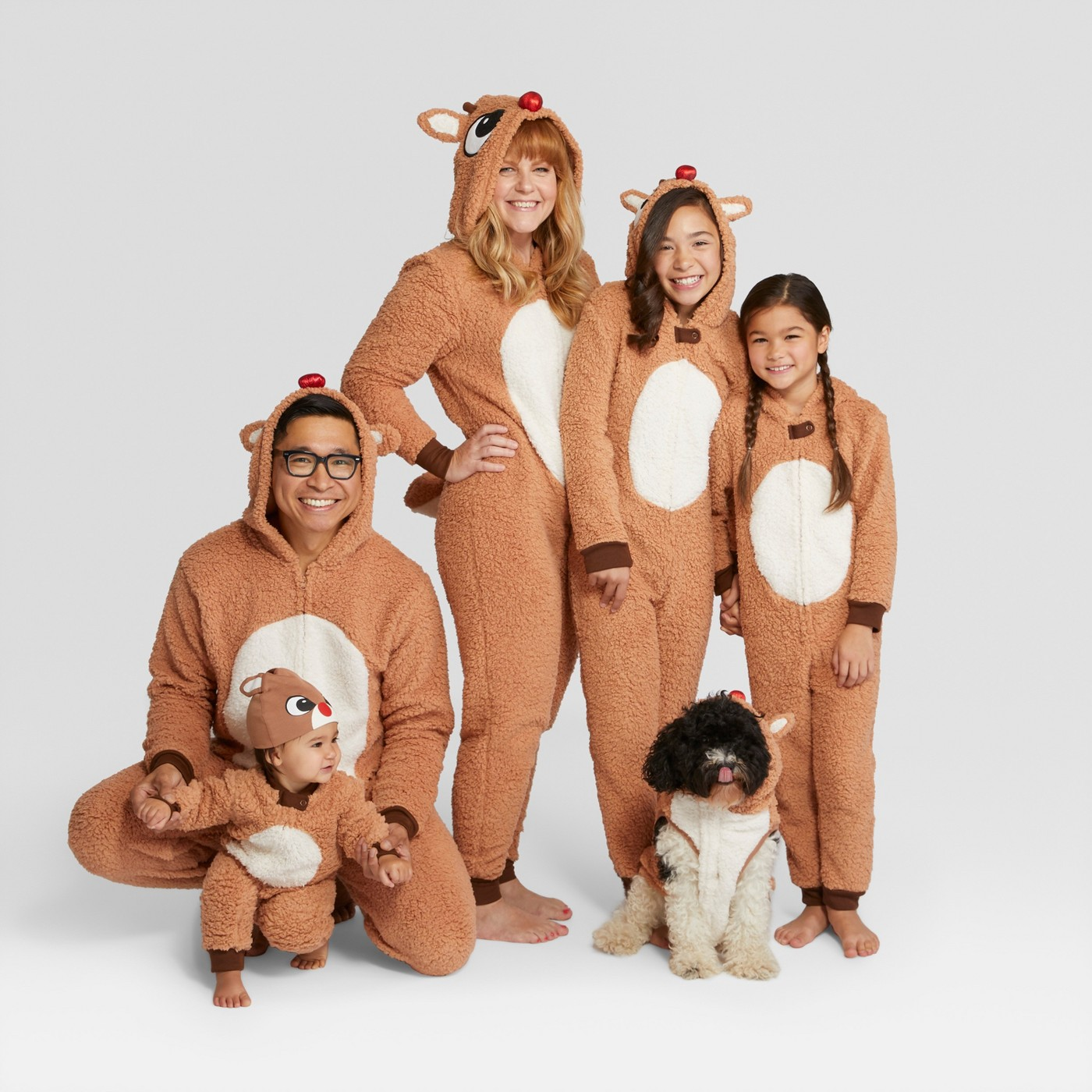 Family Christmas pajamas - love the Rudolph pajamas kellyelko.com #christmaspajamas #christmas #christmastraditions