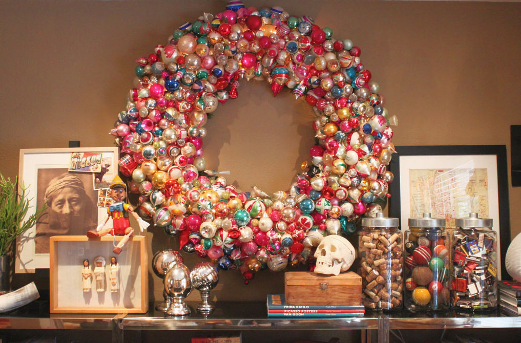 Shiny Brite Decorating Ideas - the most creative ideas for displaying Christmas ornaments like this GIANT ornament wreath kellyelko.com #vintagechristmas #christmasornaments #christmaswreath #christmasdecor #christmasdecorating #shinybrites #vintageornaments #ornaments
