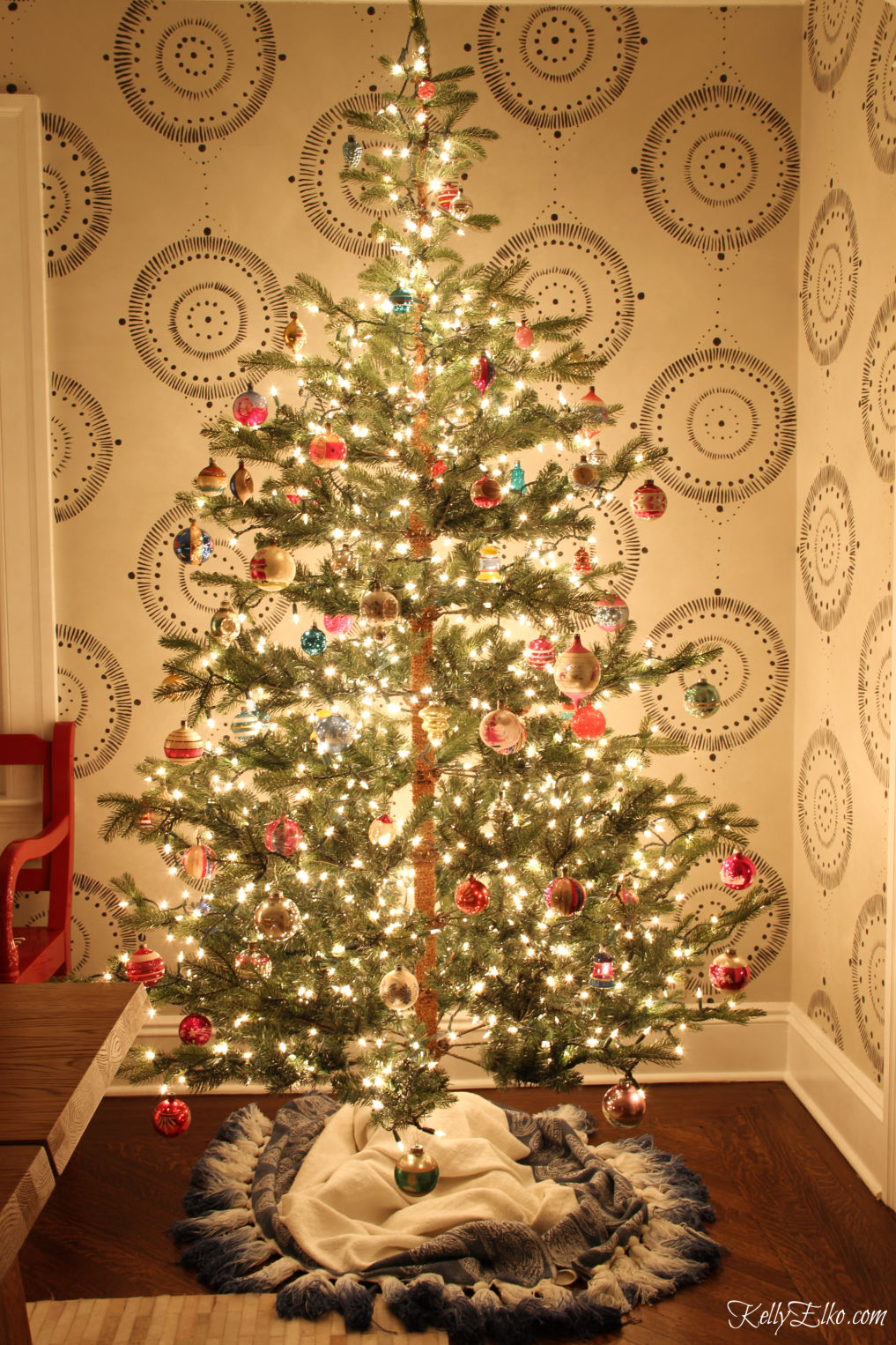 Don't miss this Christmas night tour - I love this twinkling tree filled with