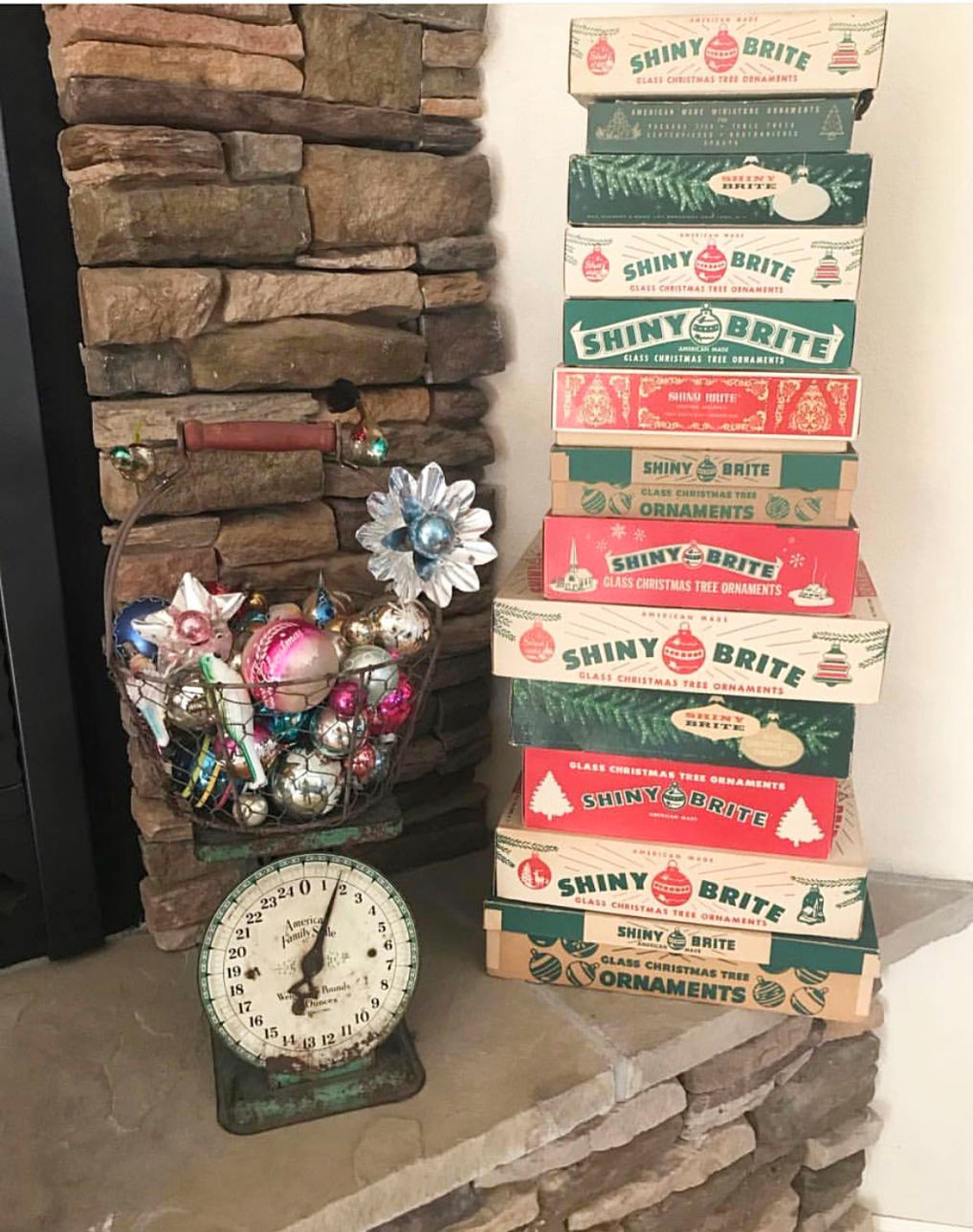 Shiny Brite Decorating Ideas - the most creative ideas for displaying Christmas ornaments including the original boxes kellyelko.com #vintagechristmas #christmasornaments #christmaswreath #christmasdecor #christmasdecorating #shinybrites #vintageornaments #ornaments