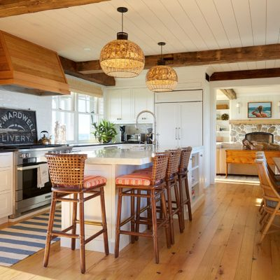 Eclectic Home Tour Nicola's Home kellyelko.com #coastal #farmhouse #hometour #farmhousekitchen #kitchendesign #kitchendecor