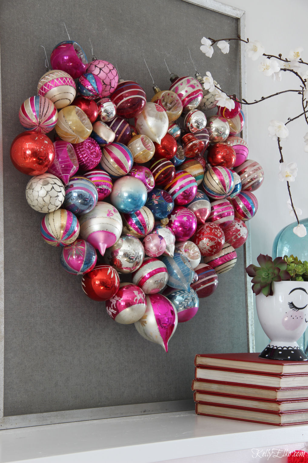 How to make a Christmas ornament Valentine heart screen kellyelko.com #valentines #valentinecraft #valentinesday #christmasornaments #vintageornaments #shinybrites #valentinedecor #valentinesdaydecor #valentinesparty #hearts #diycrafts