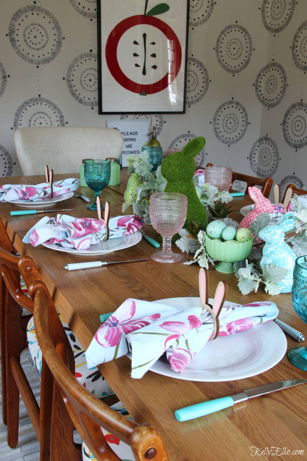 Spring bunny centerpiece - love the pink and blue color scheme on this fun Easter table kellyelko.com #easter #easterdecor #spring #springdecor #springtable #centerpiece #springcenterpiece #easterbunny #bunny