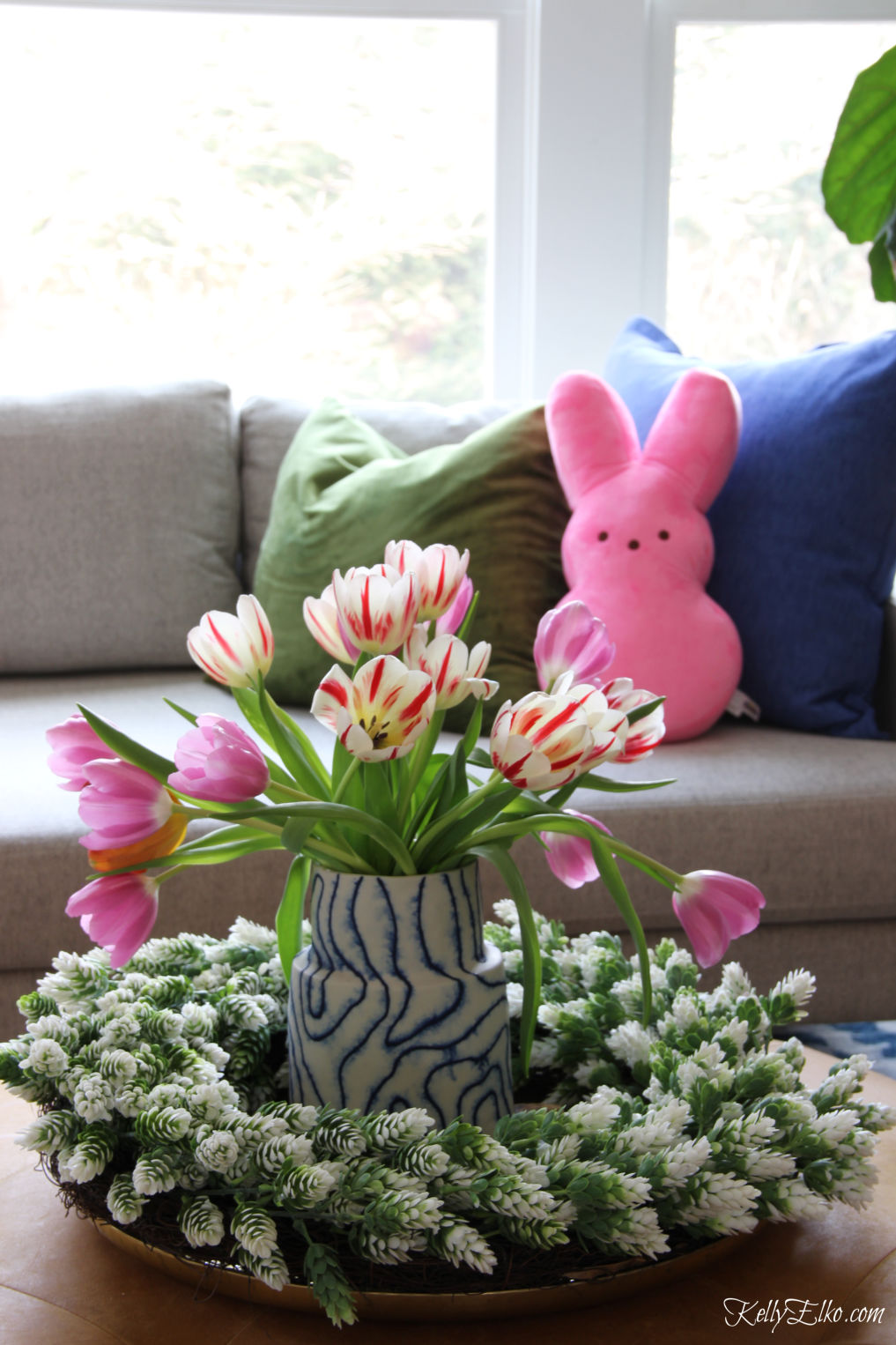 Pink tulips and matching pink Peep pillow! kellyelko.com #peeps #tulips #springdecor #easterdecor #familyroomdecor