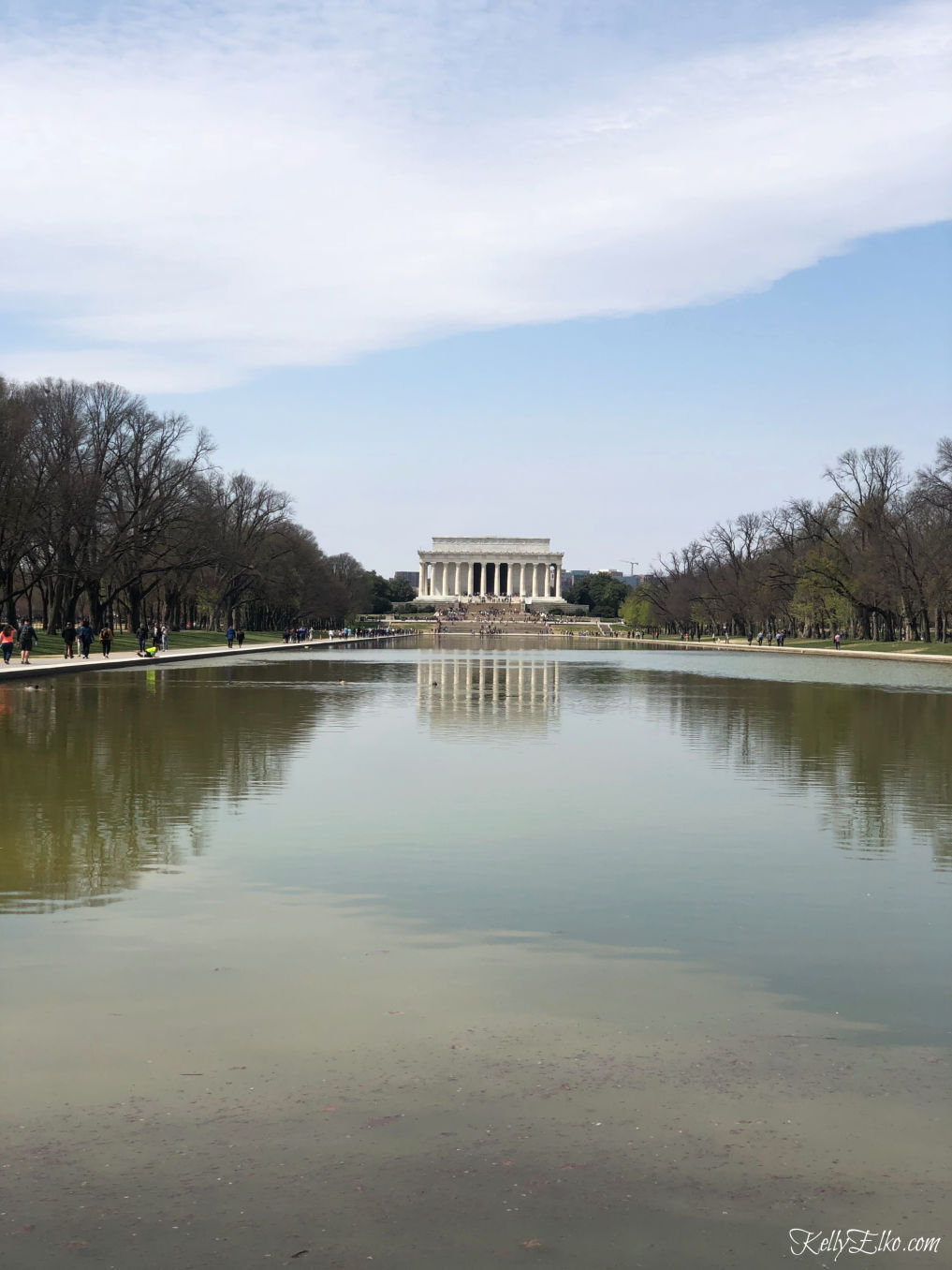 Weekend in Washington DC - love this view of the Lincoln Memorial across the reflecting pool kellyelko.com #travel #travelblogger #washingtondc #dc #vacation #familytravel #getaway #escape #reflectingpool #lincolnmemorial