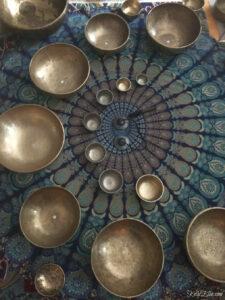 52 Weeks of Yes! Tibetan Singing Bowls kellyelko.com #52weeksofyes #tibetansingingbowls #meditation