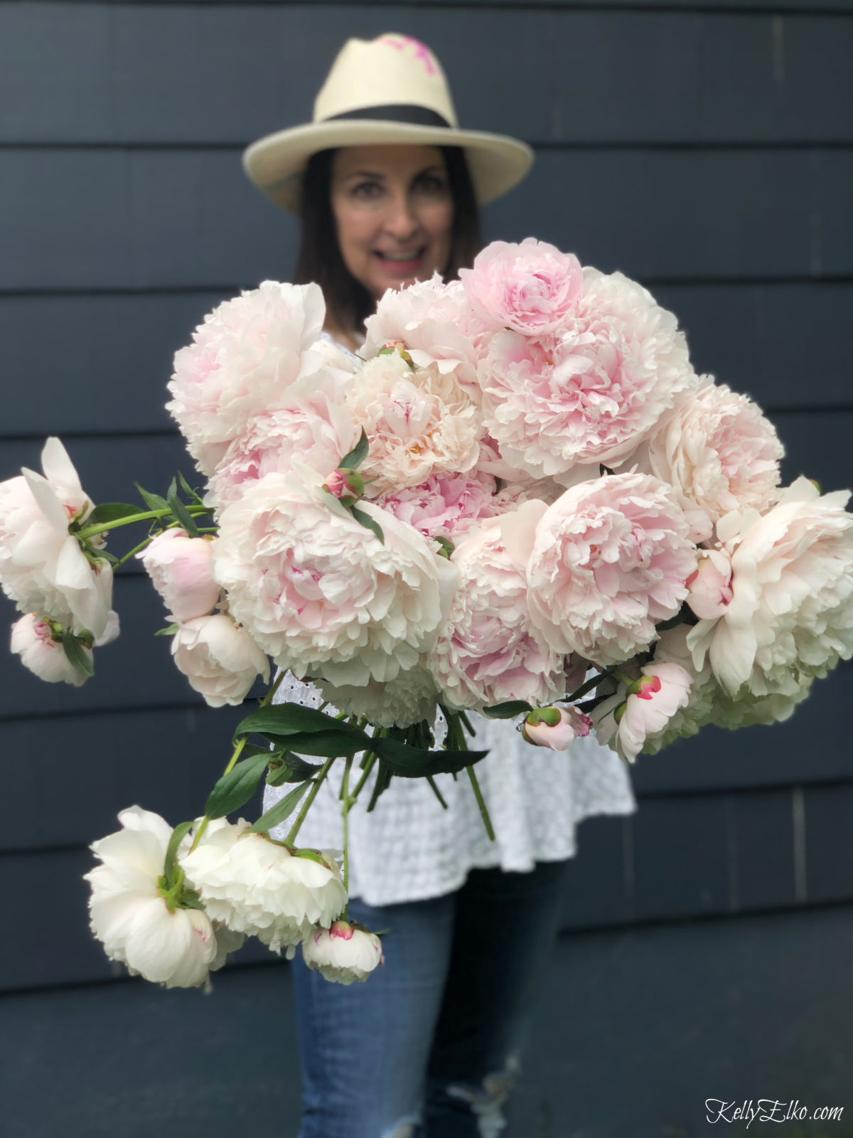 Peonies! Learn how to grow them, make them last longer, arrange them, and some unique fun facts about this spring flower kellyelko.com #peonies #peony #perennials #gardeners #gardeningtips