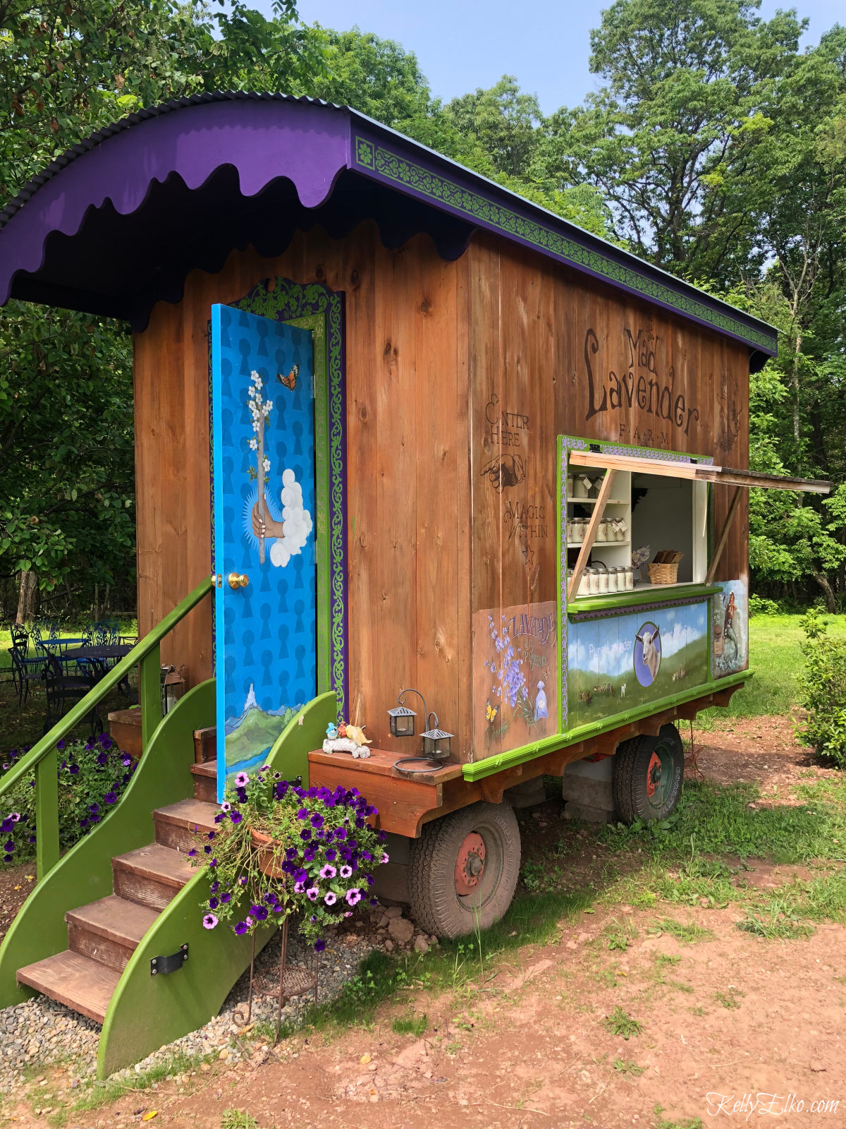 Adorable little store that looks like a train caboose kellyelko.com #gardens #gardening #gardenstructure #tinyhouse