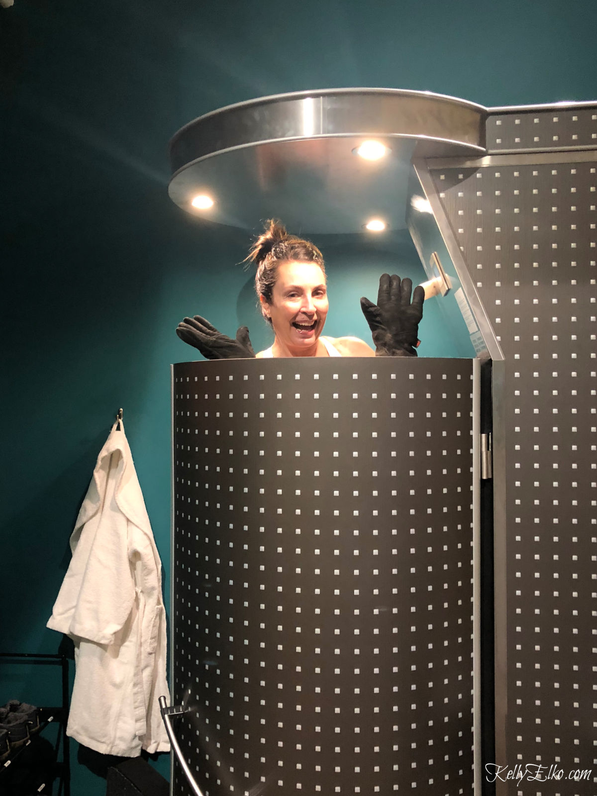52 Weeks of Yes! Join Kelly in the cryotherapy chamber to see if she can handle the cold! kellyelko.com #52weeksofyes #cryotherapy #selfcare