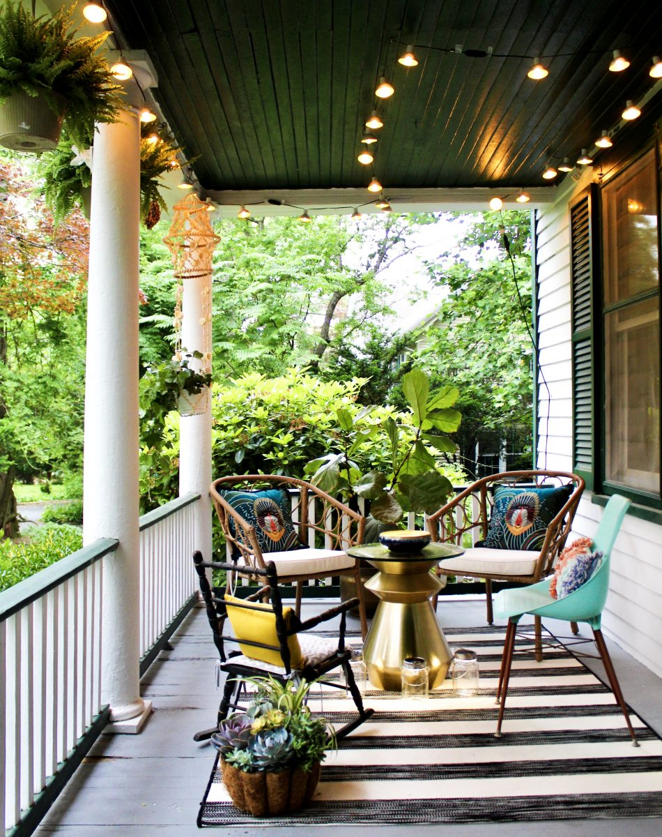 Old front porch - love the black porch ceiling paint and eclectic mix of furniture kellyelko.com #porch #frontporch #porchdecor #oldhome #vintagedecor #vintagemodern