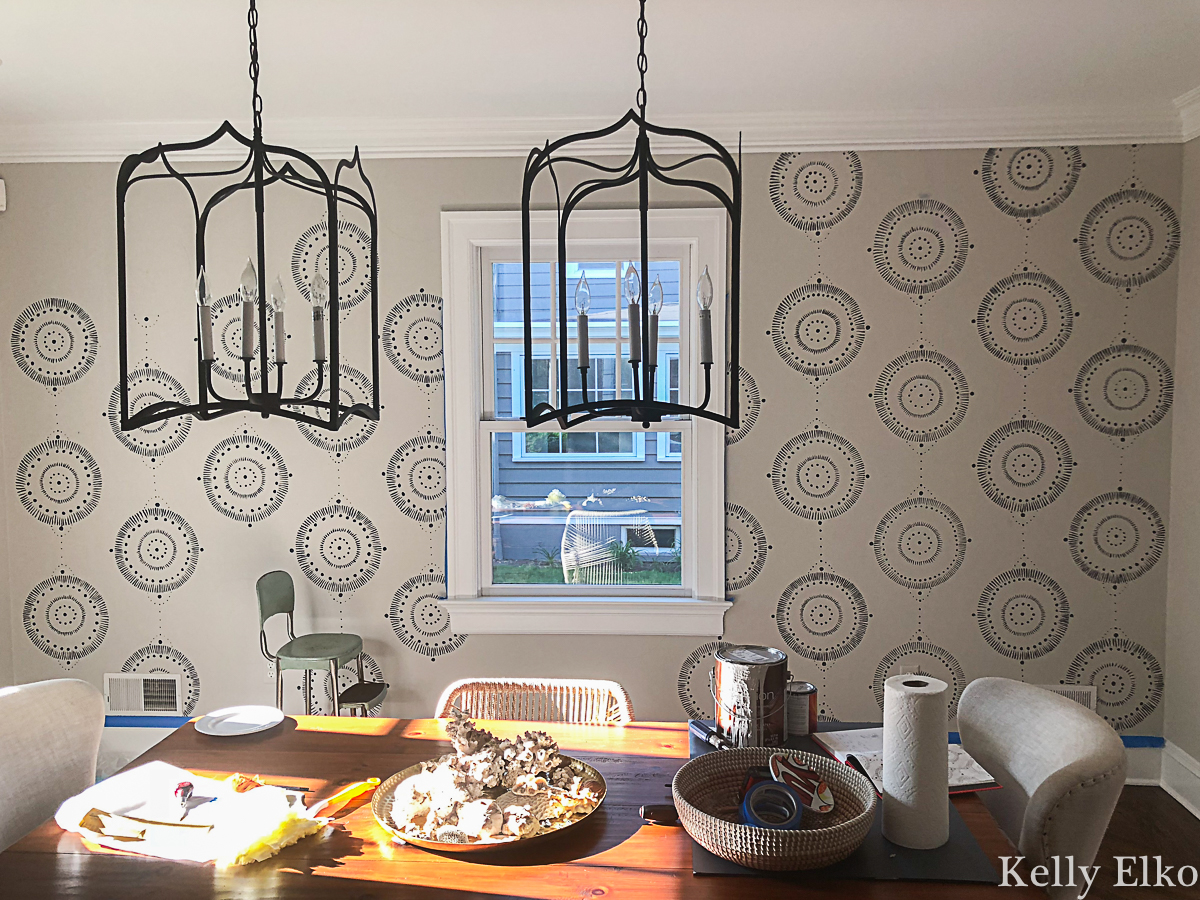 Get the look of wallpaper for a fraction of the cost with this DIY painted wall mural! Read her tips for getting the look kellyelko.com #diningroomdecor #paintingtips #serena&lily #mural #wallmural #diyideas #diydecor #paint #homedecor #diyprojects