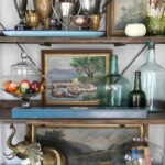 Vintage Lovers Fall Home Tour kellyelko.com #fall #falldecor #falldecorating #shelfstyling #vintagedecor #eclecticdecor #collections #homedecor