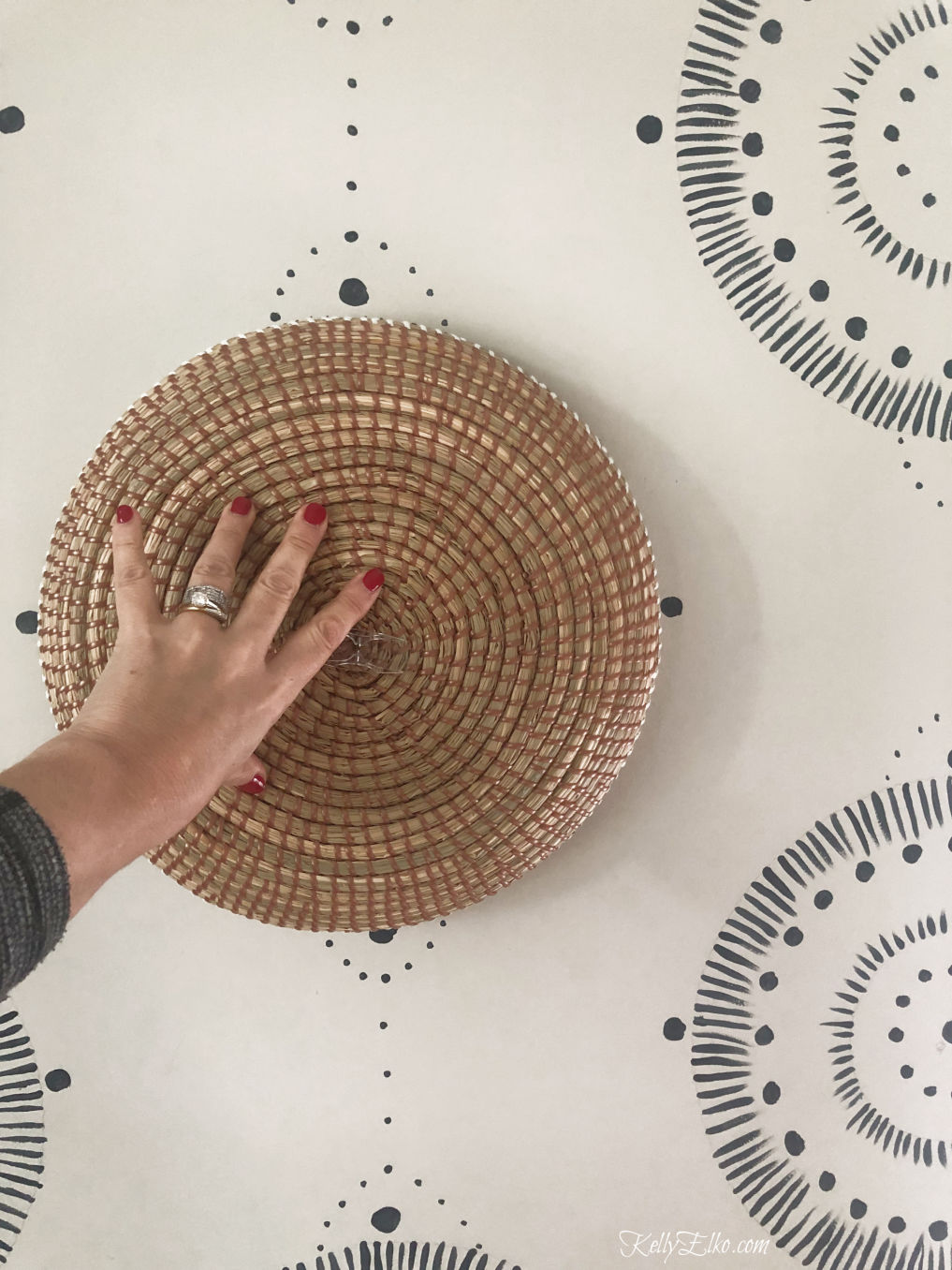How to paint a repeating wall mural and get the look of wallpaper at a fraction of the cost kellyelko.com #wallmural #paintingtips #painttips #wallpaint #diypaint #diydecor #diyideas #serena&lily #diydecor #kellyelko