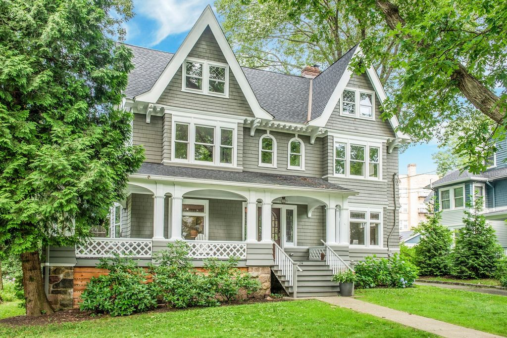 Eclectic Home Tour Carpenter Gothic kellyelko.com #home #hometour #oldhome #curbappeal #grayhouse #graypaint #victorian #interiordesign #interiordecor