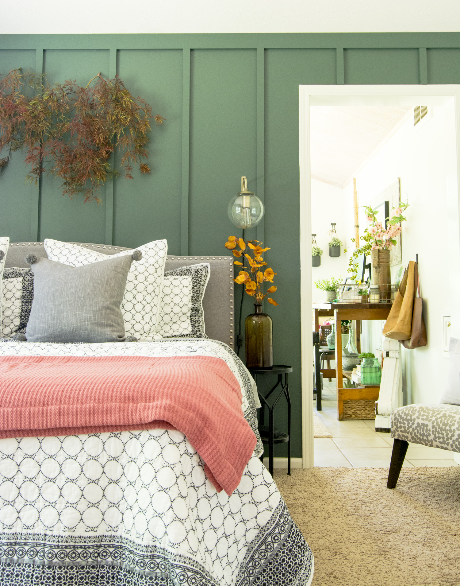 Green bedroom kellyelko.com #green #bedroom #bedroomdecor #falldecor #interiordesign #farmhousestyle