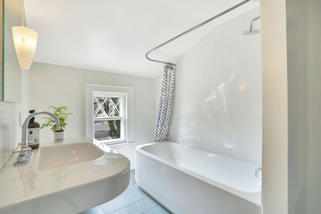 Beautiful modern bathroom renovation in an old house kellyelko.com #bathroom #bathroomreno #modernbathroom #duravit #bathroomdecor
