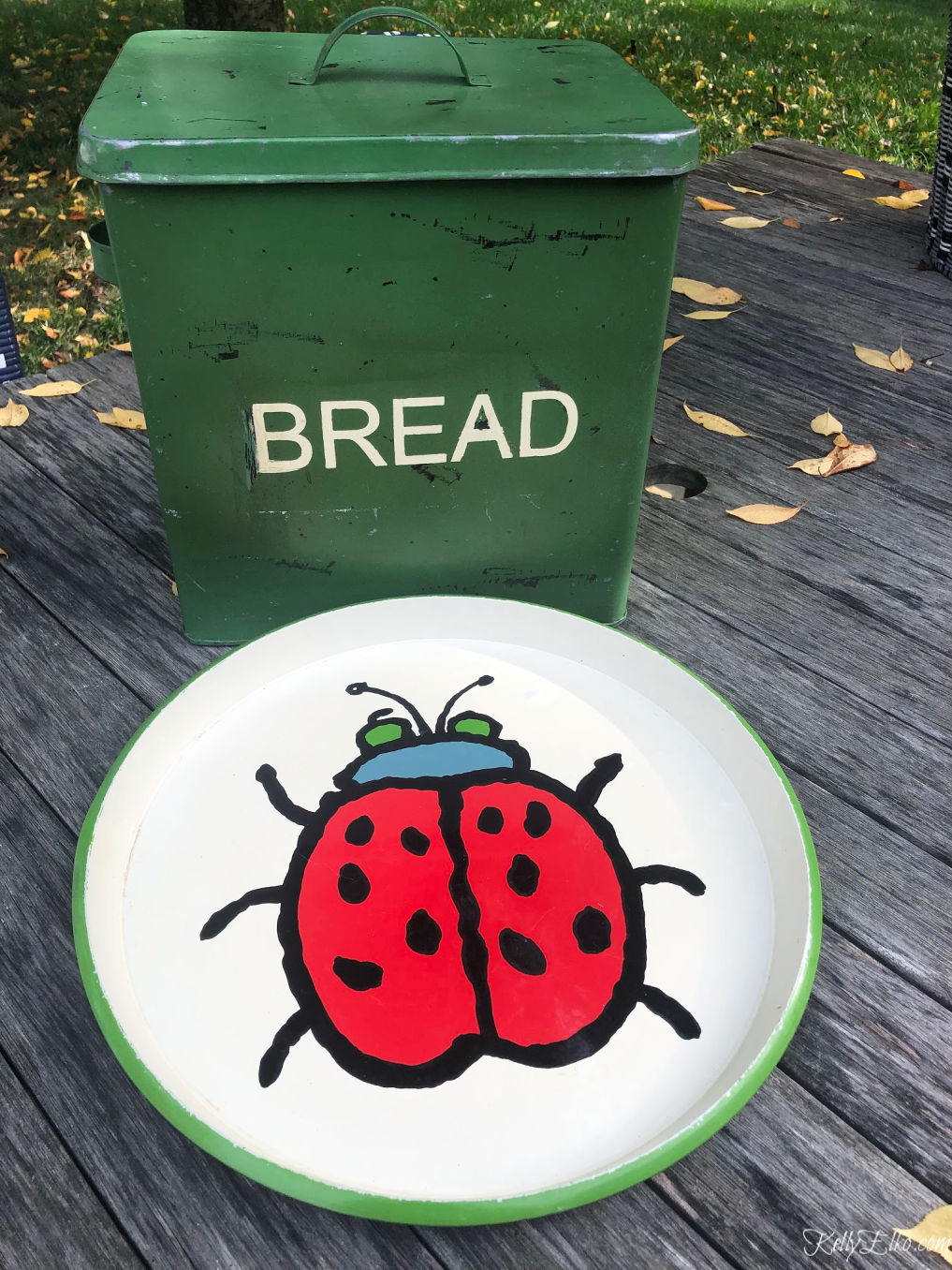 Thrifting Diaries October Haul - love the green enamel bread box and vintage Ross Havers ladybug tray kellyelko.com #vintage #vintagedecor #breadbox #thrifting #thriftstore #midcentury