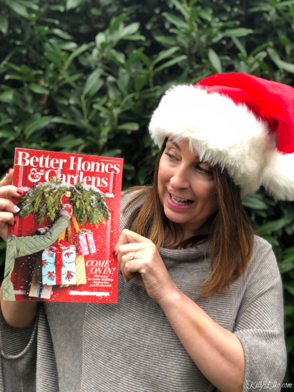 Better Homes & Gardens Kelly Elko Christmas - see the 6 page spread of Kelly's decked out home that is filled with creative Christmas decorating ideas kellyelko.com #christmas #christmasdecor #christmasdecorating #christmasdecoratingideas #bhgchristmas #kellyelko.com