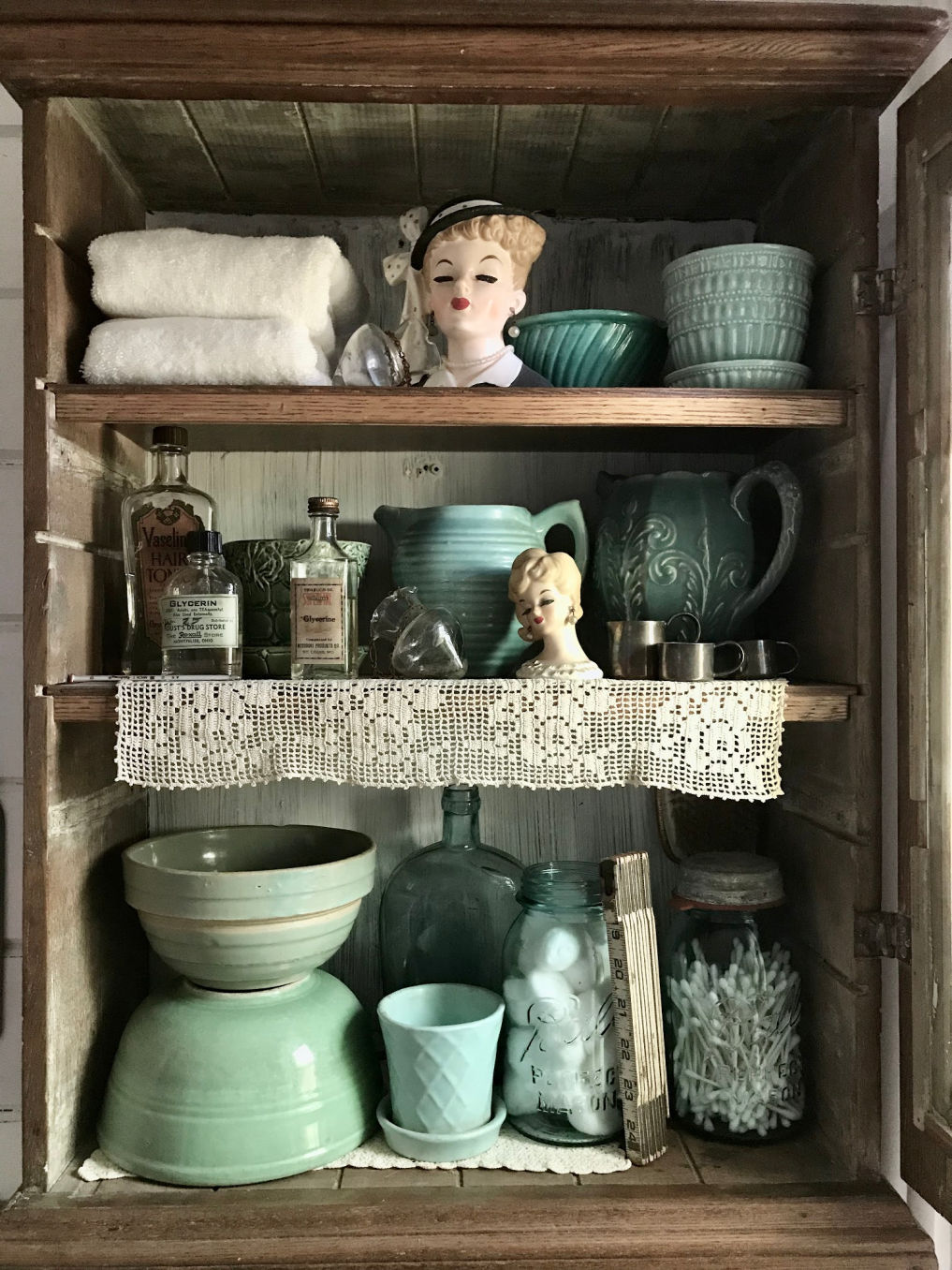 Vintage pottery and head vase collections #vintagedecor #vintagecollections #collection #vintagepottery