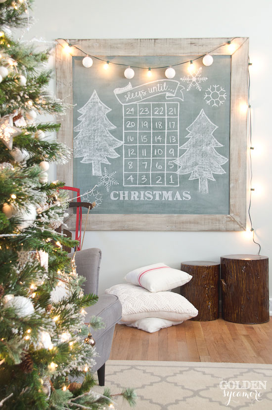 Christmas Chalk Art Ideas - love this chalk Advent calendar to count down to Christmas #chalkart #christmasart #adventcalendar #farmhousechristmas #christmastree