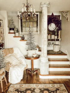 Eclectic Home Tour House on Winchester kellyelko.com #hometour #housetour #farmhouse #christmasdecor #farmhousechristmas #christmastrees #vintagedecor #vintagechristmas