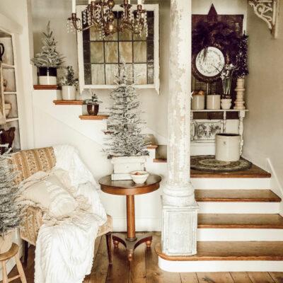 Eclectic Home Tour House on Winchester kellyelko.com #hometour #housetour #farmhouse #christmasdecor #farmhousechristmas #christmastrees #vintagedecor #vintagechristmas