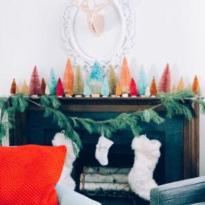 Creative Bottle Brush Tree Ideas kellyelko.com #christmascrafts #christmastrees #bottlebrushtrees #vintagechristmas #christmasdiy #christmasideas #kellyelko