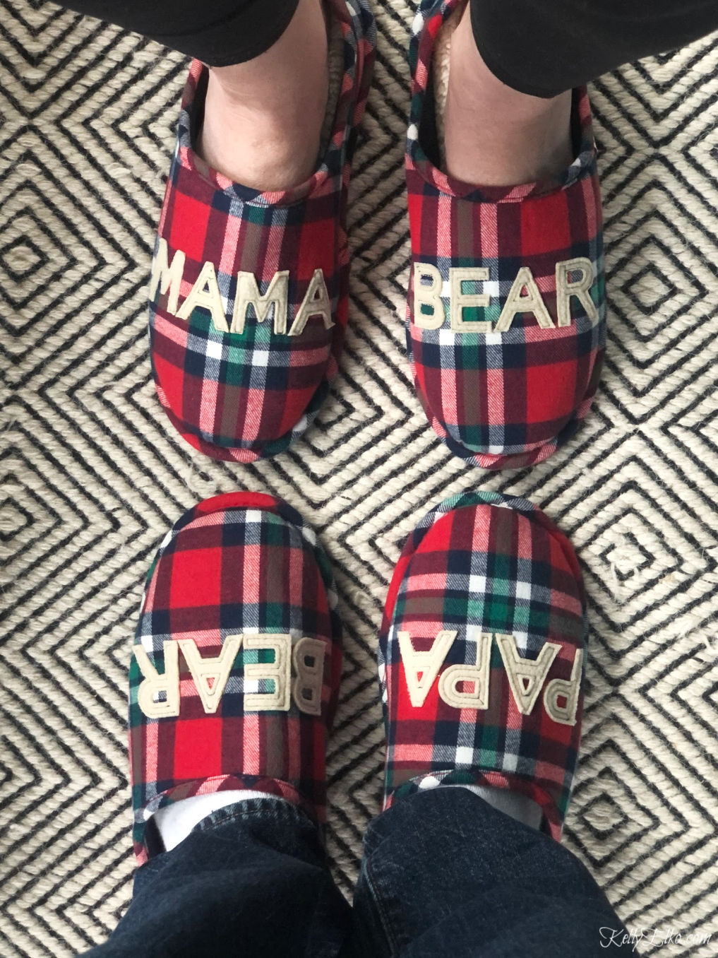 Mama Bear & Papa Bear Slippers! These are adorable kellyelko.com #slippers #giftguide #giftideas #christmasgiftguide #christmasgiftideas #giftsforher #giftsforhim #plaid #kellyelko