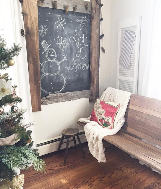 Creative Chalkboard Art #chalkart #chalkboards #christmasdecor #vintagechristmas #farmhousechristmas