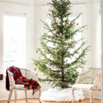 12 Sparse Christmas Trees kellyelko.com #christmas #christmastrees #vintagechristmas #christmasdecor #christmasornaments