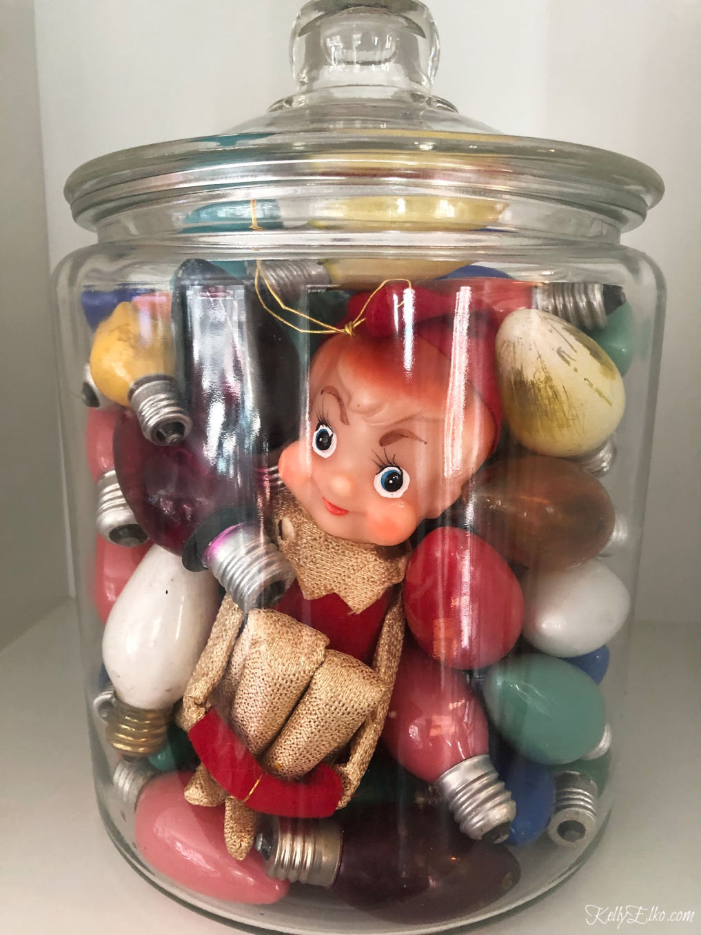 Vintage Knee Hugger kellyelko.com #christmas #vintagechristmas #vintage #collectibles #christmascollectibles #kneehugger #kellyelko