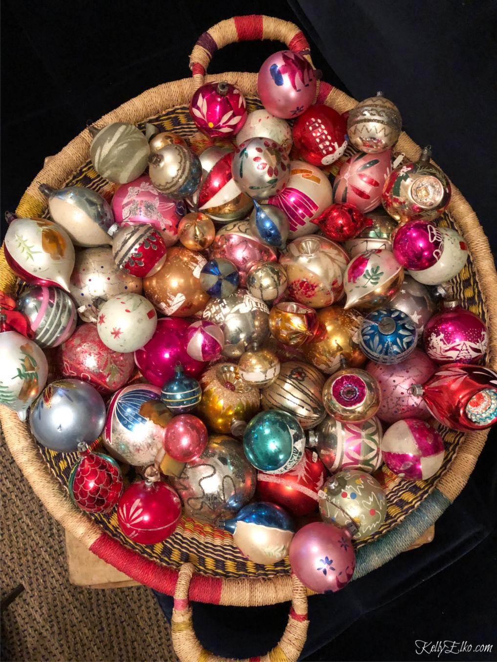 Huge vintage collection of Shiny Brite Christmas ornaments kellyelko.com #shinybrite #vintageornaments #vintagechristmas #vintagecollection #christmasornaments #christmasdecor