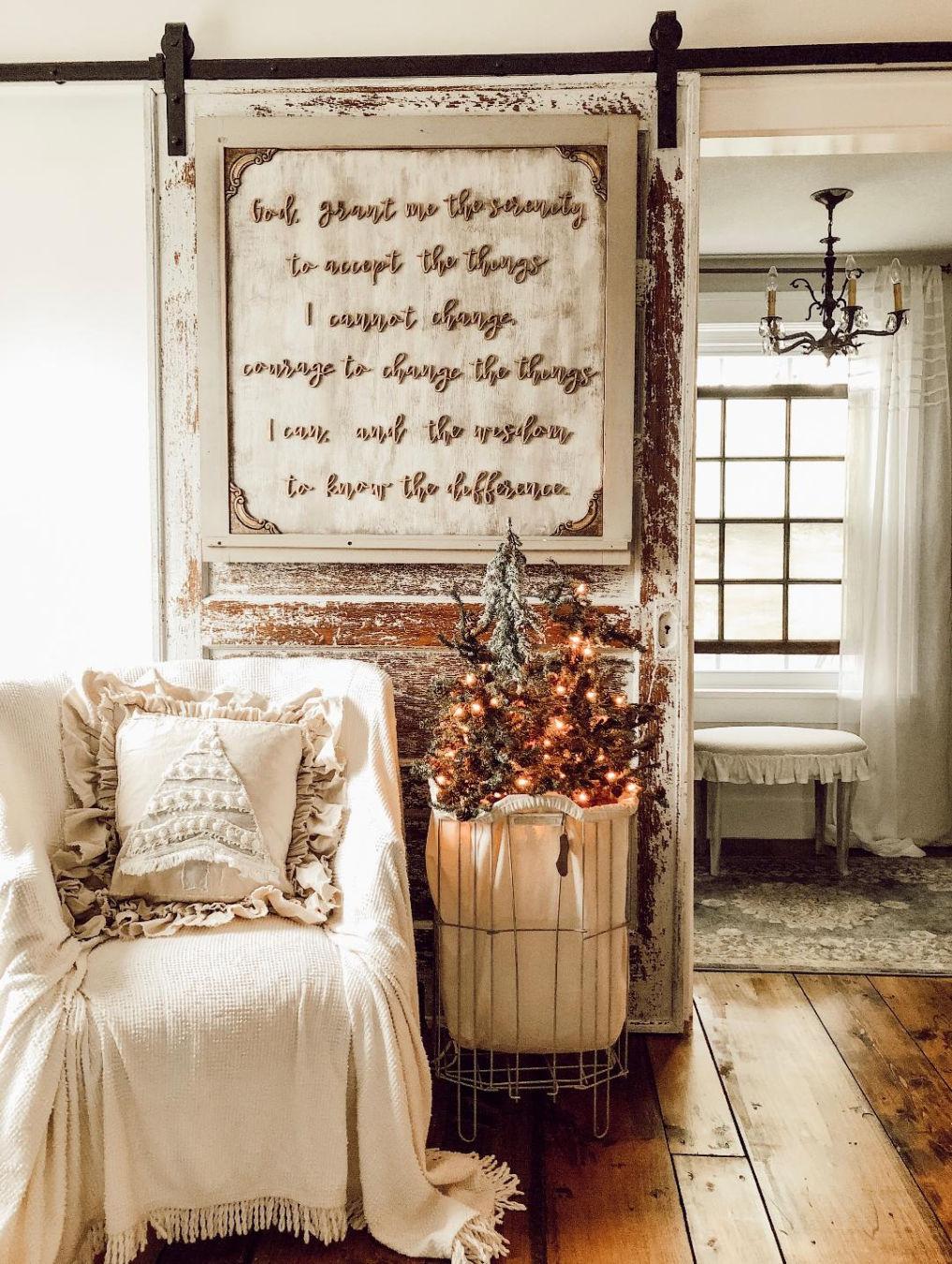 Farmhouse rolling barn door with art #farmhousedecor #barndoor #christmasdecor #vintagechristmas #farmhousechristmas
