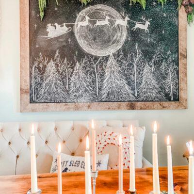 Santa sleigh chalk art kellyelko.com #chalkart #chalkboard #christmaschalkboard #farmhousechristmas #freeprintable #christmasprintable #farmhousedecor #farmhousechristmas #santa #kellyelko
