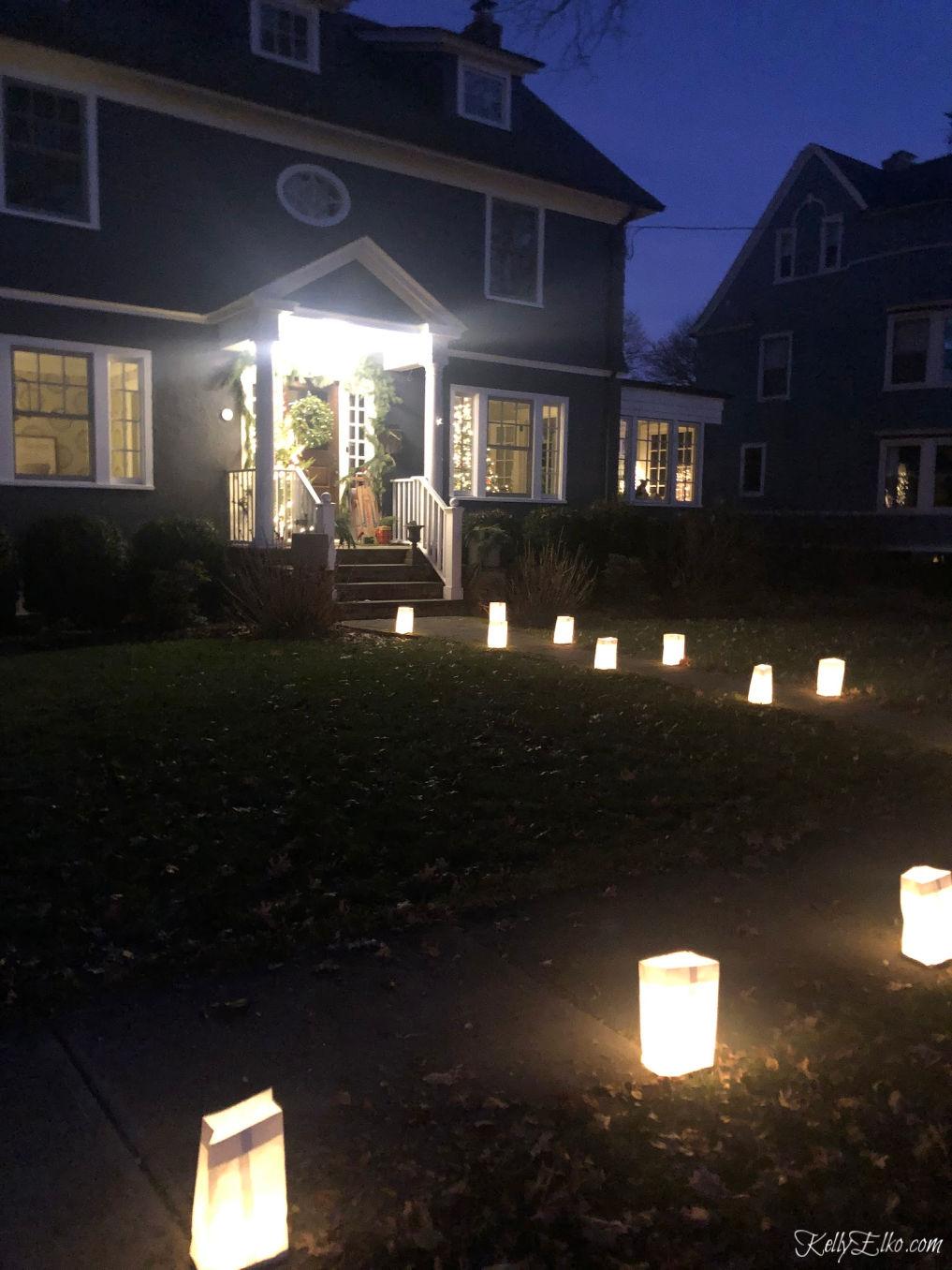 Christmas luminaries kellyelko.com #christmaslights #luminaries #kellyelko