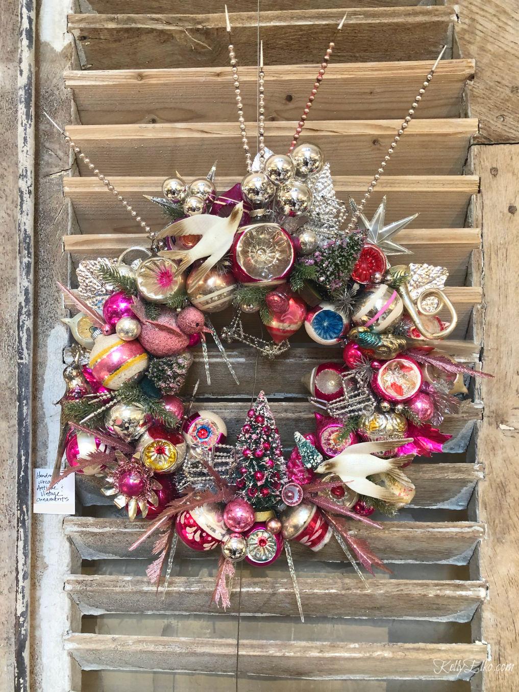 Vintage Christmas Ornament Wreath kellyelko.com #vintagechristmas #christmaswreath #vintagewreath #christmascrafts #diychristmas #kellyelko
