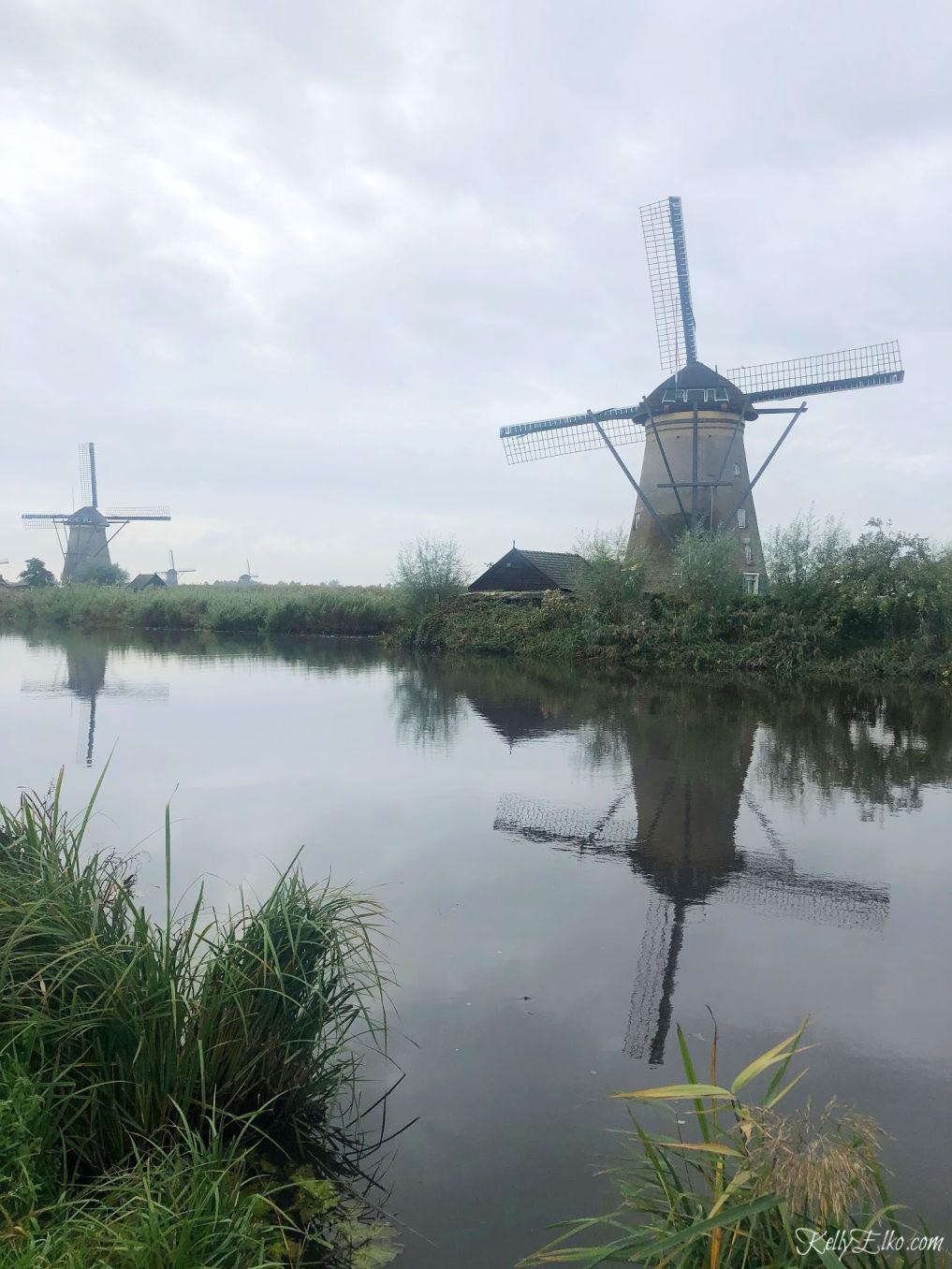 Kinderdijk Netherlands is a UNESCO World Heritage site of 19 windmills kellyelko.com #windmills #kinderdijk #netherlands #trravel #travelblogger #europetravel #rivercruise #rhineriver