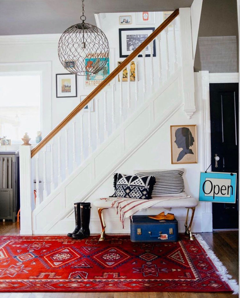 Foyer with gray ceiling, vintage red rug #foyer #foyerdecor #entry #entrydecor #interiordecor #vintagedecor #eclecticdecor #bohodecor